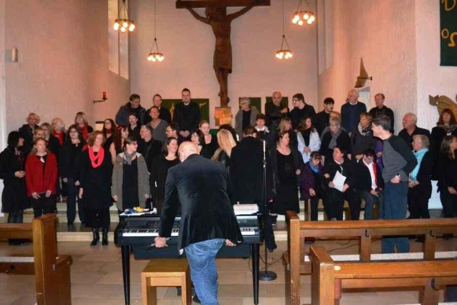 choere-kirche-vorne-8
