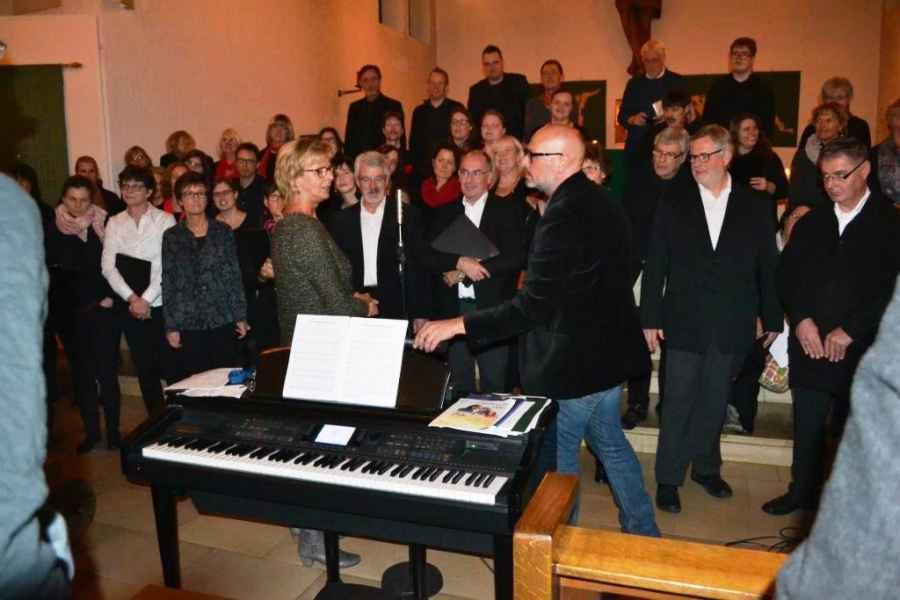 choere-kirche-vorne-2